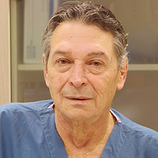 Доктор Пери Кан